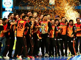 Royal Challengers Bangalore (RCB) lost out to Sunrisers Hyderabd (SRH) by eight runs in a dramatic final of the Indian Premier League (IPL) Season Nine on Sunday at the Chinnaswami Stadium. Requiring 209 runs in 20 overs with an asking rate of 12.54, Royal Challengers could only manage 200/7, though it got off to a flying start helped by a pounding Chris Gayle and a stable Virat Kohli. Chris Gayle spearheaded the chase for Royal Challengers with a superb 38-ball-76. Dominating with the bat, he rarely gave chance to Kohli, so much so that he accounted for 74 of the first 100 runs score by RCB by the end of nine overs.