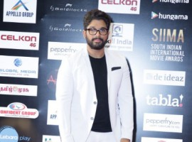 South Indian International Movie Awards (2016) event held at Suntec Convention and Exhibition Centre in Singapore. Celebs like Nayantara, Allu Arjun, Anirudh Ravichander, Arun Vijay with his family, Haniska Motwani, Keerthy Suresh, Prakash Raj, Raai Laxmi, Radhika Sarath Kumar, Sai Pallavi, Nithya Menen, Amyra Dastur, Shriya Saran, Khushboo, Vikram, Sivakarthikeyan, Jayam Ravi with his wife, Radhika Apte, Rana Daggubati, Chiranjeevi, Allu Arvind, Shruti Haasan, Suhasini Maniratnam, Samantha Ruth Prabhu, Pranitha Subhash, Puneeth Rajkumar, Sai Kumar, Ali with his wife, Sudheer Babu, Usha Utappa, Lakshmi Manchu, Pragya, Devi Sri Prasad, Anirudh Ravichander, Urvashi Rautela, Vignesh Shivan, S. Janaki, Tejaswini Prakash, Sonal Chauhan, Vedhika, Saqib Saleem, comedy actor Satish, Huma Qureshi and others graced the event.