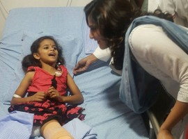 South Indian actress Samantha Ruth Prabhu meets J.C.G Bhavani (Chandhini), 5yr old girl who lost her left leg in a road accident when she was 1yr old. Chandini was recently admitted to MaxCure Hospitals in Hyderabad for a disarticulation which enable her to walk using an artificial limb.