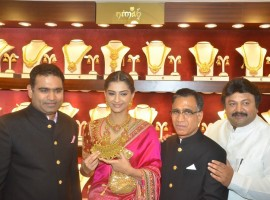 Bollywood Actress Sonam Kapoor and South Indian actor Prabhu Ganesan inaugurated Kalyan Jewellers Anna Nagar Showroom in Chennai. Actress Sonam Kapoor spotted in pink Banarasi silk embroidered saree by Abu Jani Sandeep Khosla.