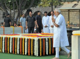 Prime Minister Narendra Modi on Sunday paid tribute to Mahatma Gandhi and Lal Bahadur Shastri at Rajghat and Vijay Ghat respectively on their birth anniversaries. The Prime Minister remembered the two leaders for the values they championed.