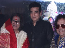 The Lakshmi Pooja at the Lahiri House in Juhu saw people walk in hordes to pay their respects to Goddess Lakshmi. Besides Bappi Lahiri and family Bappa Lahiri, Taneesha Lahiri, Chitrani Lahiri, Rema and Govind Bansal, Swastik Bansal, celebrities of the likes of Jeetendra, Alka Yagnik, Lalit Pandit, Sumona Chatterjee, Babul Supriyo, Kavita Kaushik among others were seen at the pooja. Check out the adjacent pictures!