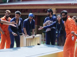 At the outset of the second week inside the house, Bigg Boss introduces a new luxury budget task – BB Laundry. It is an arduous task involving washing, cleaning and ironing clothes.