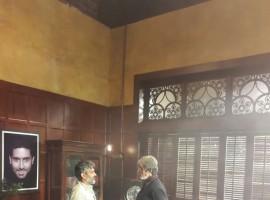 Photos of Baahubali director SS Rajamouli meets Bollywood megastar Amitabh Bachchan on the sets of Sarkar 3.