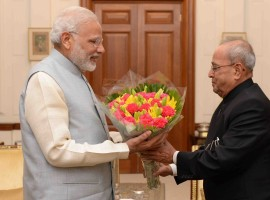 Photos of Prime Minister Narendra Modi calls on President Pranab Mukherjee at Rashtrapati Bhavan in New Delhi on Nov. 18, 2016.