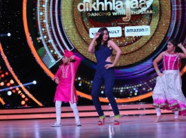 Alia Bhatt went down memory lane after watching Jhalak contestant Swasti Nitya's performance to the song 'Radha' from Student Of The Year. Alia revealed that the song was the first time she had ever faced the camera and Karan Johar further elaborated that it was Jhalak judge Farah Khan who had choreographed her. Karan further revealed that Alia was unable to get the steps right and even twisted her ankle while performing some of the twirls required for the song.