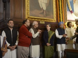 Congress president Sonia Gandhi, former Prime Minister Manmohan Singh, senior BJP leader LK Advani, Union Finance Minister Arun Jaitley, Congress vice president Rahul Gandhi paying tribute to former Prime Minister Indira Gandhi on her birth anniversary at Parliament House on Nov. 19, 2016.