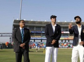 England won the toss and elected to bat in the third Test against India at the Punjab cricket Association I.S. Bindra Stadium on Saturday. For India, promising Karnataka batsman Karun Nair will make his Test debut replacing injured opener Lokesh Rahul while stumper Parthiv Patel has been included in place of injured Wriddhiman Saha.