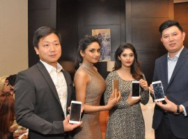 Photos of South Indian Actress Surabhi and Pooja Sri at Vivo V5 Mobile Launch.