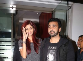 Photos of Bollywood actress Shilpa Shetty was spotted with hubby Raj Kundra.