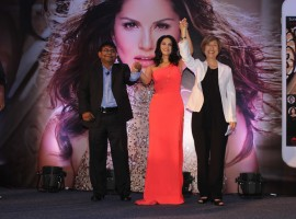 Photos of Bollywood actress Sunny Leone launches her own 'Mobile App' for fans.