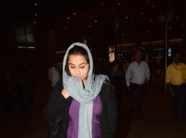 Photos of Bollywood actress Vidya Balan spotted at airport in her Kahani 2 Look.