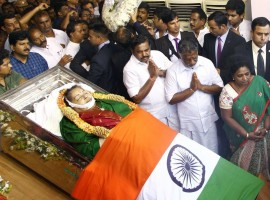 PM Modi and O. Panneerselvam pay last respect to CM Jayalalithaa.