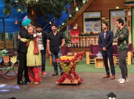 Photos of Ali Asgar celebrates his birthday on the sets of The Kapil Sharma Show.