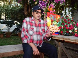 Check out the photos of Actor Dharmendra celebrates his 81st birthday.