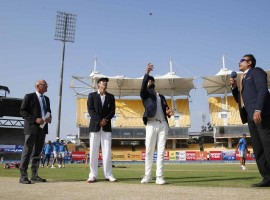 England skipper Alastair Cook has won the toss and elected to bat against India in the fifth and final Test match here on Friday.