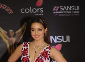 Sana Khan at Sansui COLORS Stardust Awards.