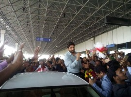 Tollywood actor Allu Arjun spotted at Vizag Airport.