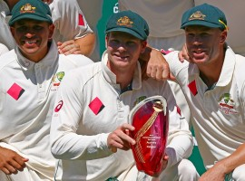 Australia defeated Pakistan by 220 runs to clinch the series 3-0 after the visitors were bowled out for 244 on the final day of the third Test at the Sydney Cricket Ground (SCG) here on Saturday.