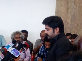South Indian actor Simbu at Jallikattu press meet. During the event actor Simbu said Mudinja Adra Laththi charge Panra Pappom.
