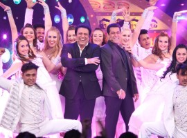 Salman Khan and Govinda dance to Soni De Nakhare on Bigg Boss Weekend Ka Vaar.