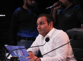 Former cricket player Virender Sehwag appears as special guest on the Indian Idol show.