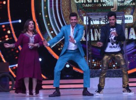 Hrithik Roshan has been touted as of one of the best dancers to ever set foot on the Indian Silver screen but little does anyone that the 'Kaabil' star credits not one but two individuals for honing these dancing skills. It is none other than dancing queen Farah Khan and cool guru Ganesh Hegde to whom Hrithik owes his dancing skills. Hrithik got a chance to show his appreciation for the duo on the finale episode of Jhalak Dikhhla Jaa…Hot Hai.