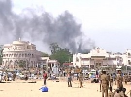 The Jallikattu protest that remained peaceful for a week in Tamil Nadu turned violent with demonstrators throwing stones at police following eviction action against them at the Marina beach here. In a street in Triplicane area near Marina beach, protesters in large numbers threw stones at police which later retaliated with a baton charge.