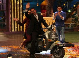 Bollywood actor Akshay Kumar and Huma Qureshi promote Jolly LLB 2 on the sets of The Kapil Sharma Show in Mumbai on January 31, 2017.