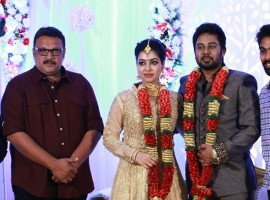 Actress Satna Titus and KR Films Karthik wedding reception held at Chennai. Celebs like GV Prakash Kumar, R Parthiban, Udhayanidhi Stalin, SJ Surya, Vidharth, Praveen KL, Dheepa Ramanujam, T Siva, Aruldoss, Sasi, Natty Natraj, Lollu Sabha Jeeva, R Kannan, SR Prabhakaran, Bharani, Bala Saravanan, Soundararaja and others graced the event.