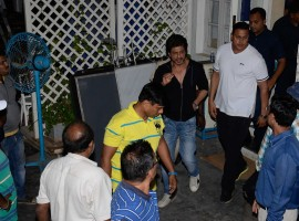 Bollywood actor Shah Rukh Khan shoots for Imtiaz Ali's next in Bandra.