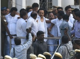 Tamil Nadu assembly: Stalin's shirt torn.