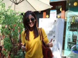 Bollywood actress Yami Gautam spotted at Bblunt Khar in Mumabi.