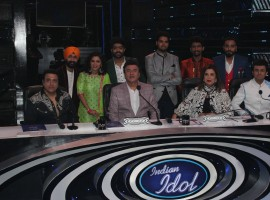 Bollywood actor Govinda, filmmaker Smita Thackeray and Singer Sonu Nigam on the sets of Sony TV's singing reality show Indian Idol season 9 to promote his film Aa Gaya Hero in Mumbai.