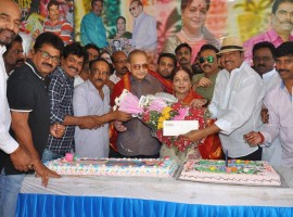 Vijaya Nirmala celebrated her Birthday at Hyderabad. Celebs like Krishna, Rajendra Prasad, Naresh wife Ramya Raghupathi, son Naveen, Paruchuri Venkateswara Rao, Vijaya Naresh, Shivaji Raja, Suresh Kondeti and others graced the event.