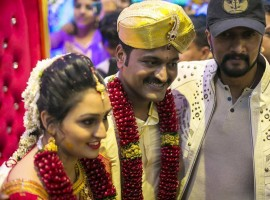 Kirik Party director Rishab Shetty and Pragathi Shetty got married as per Hindu customs at his hometown Kundapur, Koteshwara. Celebs like Sudeep, Rakshith Shetty, Sheetal Shetty, Rashimika Mannar, Yajna Shetty, Meghana Gaonkar, Samyuktha Hegde and other celebrities attended the wedding and blessed the couple.