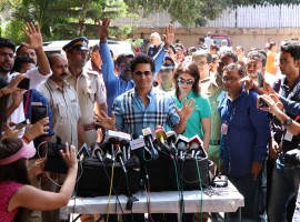 BMC Election 2017: Former Indian cricketer Sachin Ramesh Tendulkar with his wife Anjali cast their vote in Mumbai.