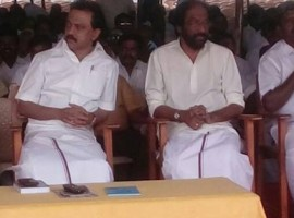 MK Stalin and other DMK leaders on statewide hunger strike against Edappadi Palanisamy's trust vote.
