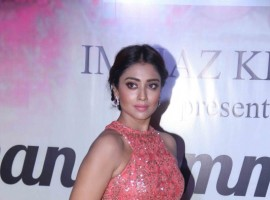 Bollywood actress Shriya Saran spotted during the Mijwan Summer 2017 fashion show in Mumbai on March 5, 2017.