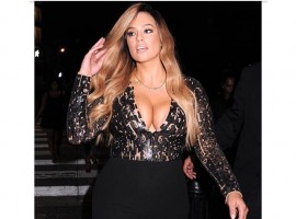 Ashley Graham, the plus-size model, has taken the internet by storm, thanks to her stunning and sexy Instagram photos. Here is a take a look at some of her latest photos on Instagram that has made her fans go gaga over it.