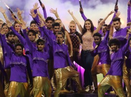 Yesterday, Shraddha Kapoor had performed at the opening ceremony of IPL in Kolkata. Shraddha Kapoor had captivated the audience's present at Eden Garden's with her spectacular dance moves. The talented actress had set the stage on fire when she had performed dynamically on songs from her hit films likes Aashiqi 2 and Ek Villain.