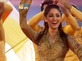 Yami Gautam rocked the stage with her electrifying  first live performance at the opening ceremony of IPL 2017 Delhi. The actor who was last seen alongside Hrithik Roshan in Kaabil, moved the crowd with her dance moves on some of the peppy chart buster songs. This performance set out be very special for the actress as it was her first ever live performance. The actress lit up the stage with her dazzling outfit also had given us a sneak peak of her rehearsals of the show.