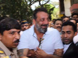 Bollywood actor Sanjay Dutt here on Monday appeared before a court in response to an arrest warrant issued against him two days ago. The warrant was later cancelled by the court. Dutt appeared briefly before the Andheri Court Magistrate C.V. Patil along with a team of lawyers to file his application on the reasons why he failed to attend the hearing previously.