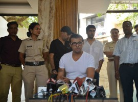 Bollywood singer Sonu Nigam addressing a press conference at his residence, in Mumbai on April 19, 2017. Sonu Nigam posted a series of tweets over using of loudspeakers in mosques during Azaan.