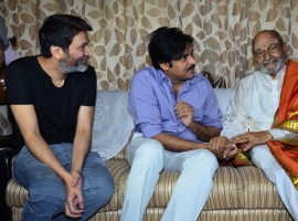 Pawan Kalyan and Trivikram Srinivas met and Congrtulated K Vishwanath.