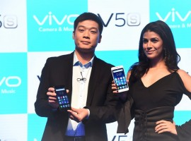 Model Rochelle Rao during the launch of Vivo V5 smartphone in Gurgaon, India on April 27, 2017.