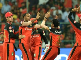 Gujarat Lions dominated with both bat and ball to thrash Royal Challengers Bangalore (RCB) by seven wickets in their Indian Premier League (IPL) clash at the M. Chinnaswamy Stadium here on Thursday evening. Chasing a modest target of 135 runs, Gujarat crossed the line in 13.5 overs. Aaron Finch and skipper Suresh Raina played a crucial role with 92-run stand. Finch produced a whirlwind innings of 72 runs, hitting five boundaries and six sixes during his 34-ball stay in the middle, while Raina remained unbeaten on 34, off 30 balls with four hits to the fence and a six. This is the sixth defeat for RCB who are going through a poor run this season. They are now placed seventh in the eight-team table with a mere five points from nine matches with only two wins to their credit.