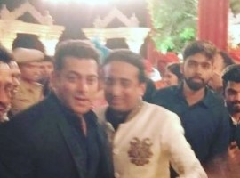 Sri Lankan Prime Minister Ranil Wickremesinghe, superstar Salman Khan, ace fashion designer J.J. Valaya, filmmaker Muzaffar Ali were among the prominent personalities who attended the wedding of Nepalese businessman and industrialist Binod Chaudhary's son Varun and jeweller Rajkumar Tongya's daughter Anushree. The wedding, which took place here at Jag Mandir continuing from Friday night to Saturday morning, saw a bevy of celebrities mixing with the royals of Rajasthan, dressed in their best. Clad in a simple black suit, Salman attended the venue just for a few minutes with a dozen of bodyguards and police officials protecting him from the guests who were clearly the star's huge fans.