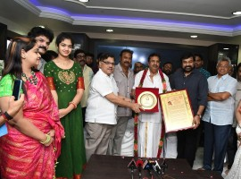 Megastar Chiranjeevi presents Allu Ramalingaiah award to Dasari Narayana Rao. Celebs like Mohan Babu and Allu Aravind graced the event.