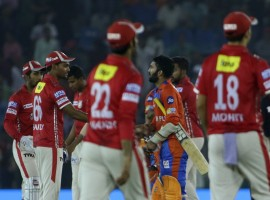 Gujarat Lions rode on some powerful batting to defeat Kings XI Punjab by six wickets in their Indian Premier League (IPL) match here on Sunday evening. Chasing a challenging target of 190 runs, Gujarat romped home with two deliveries to spare. Gujarat now have eight points from 12 matches, while Punjab remain on 10 points from 11 matches. Dwayne Smith played a starring role for Gujarat, smashing 74 runs off a mere 39 deliveries, hitting eight boundaries and four towering sixes along the way. Smith and fellow Ishan Kishan gave Gujarat's chase a rocking start, producing a opening partnership of 91 runs in just 9.2 overs before Punjab pacer Thangarasu Natarajan ended it as Kishan hit a full length delivery into the hands of David Miller at deep midwicket. Smith followed him back to the pavilion a couple of overs later when he was dismissed by Glenn Maxwell.